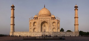 1200px-Taj_Mahal_Sunset_Edit1